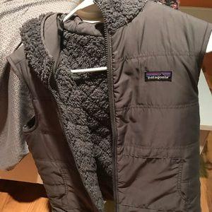 Reversible grey patagonia vest with hood!
